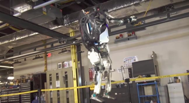 Το νέο βίντεο του ρομπότ Atlas εντυπωσιάζει και προκαλεί δέος (Video)