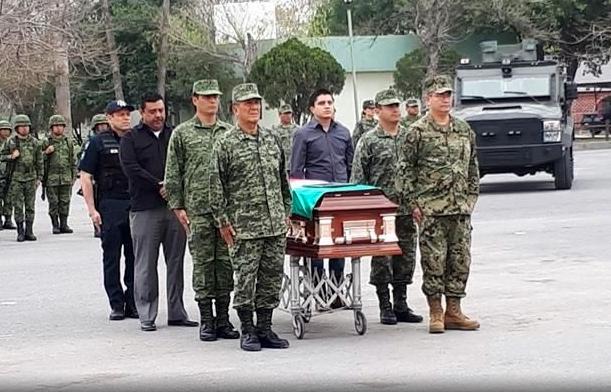 """""""Honor aquien honor merece"""", soldado acribillado cobardemente por El Cártel del Golfo en emboscada es reconocido en Reynosa"""