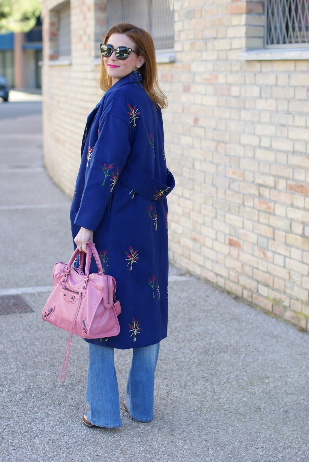 70's inspired outfit with floral embroidered Zaful coat with back belt on Fashion and Cookies fashion blog, fashion blogger style