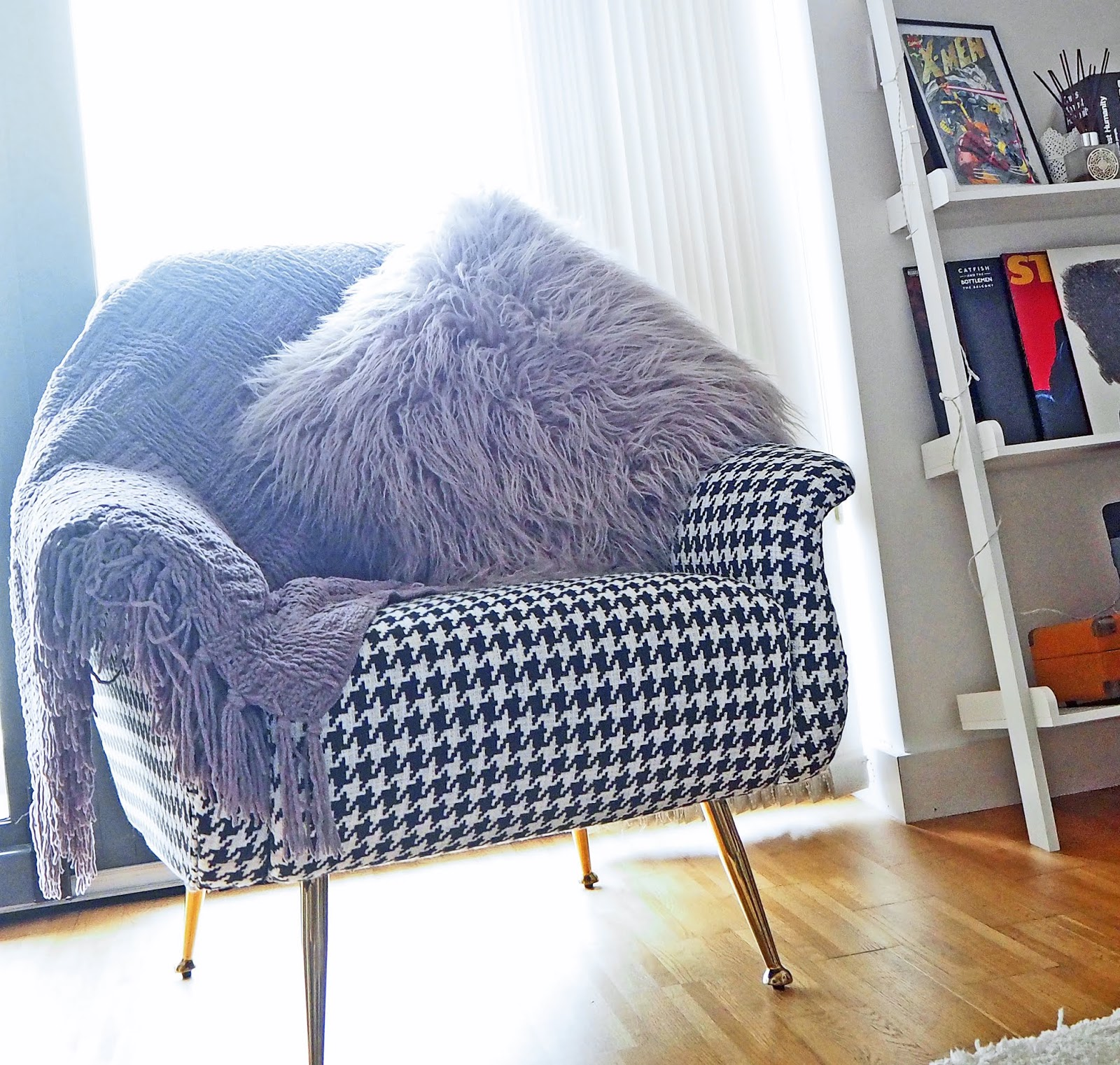 Houndstooth chair