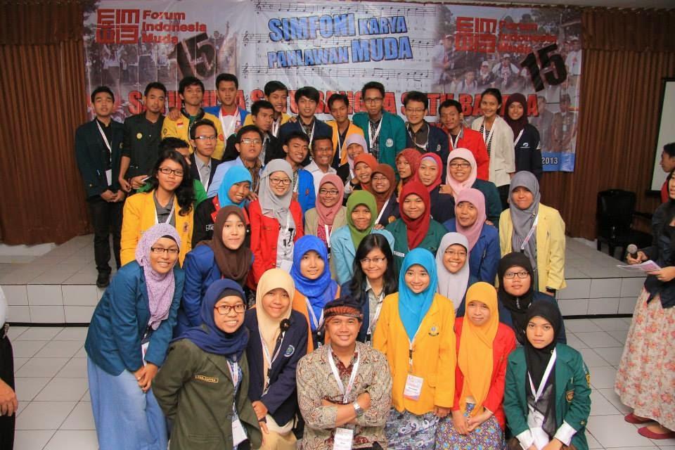 Fifth image of Forum Indonesia Muda with Diary Nona Risa: Kaukah Keluarga Kunang - Kunang ...
