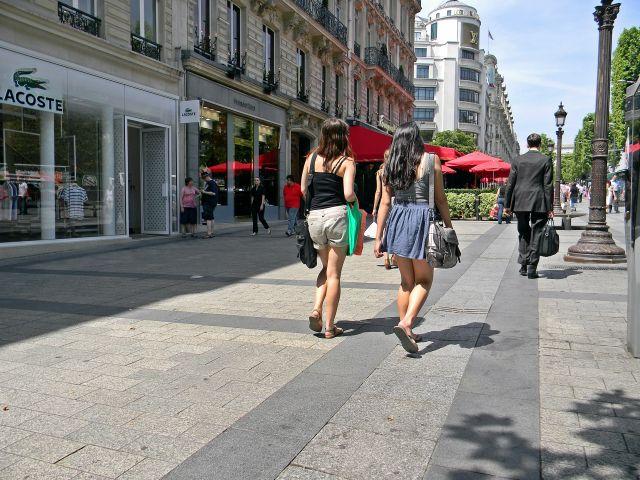 ciekawe miejsca Paryża, Francja, ludzie
