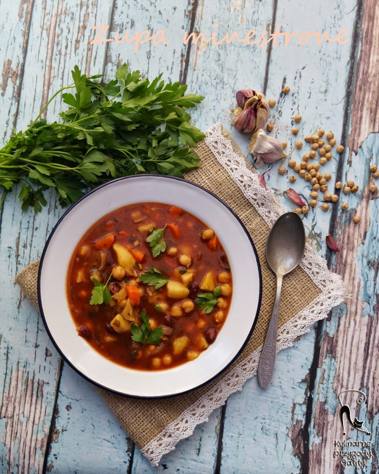 zupa-z-warzywami-widok-z-gory