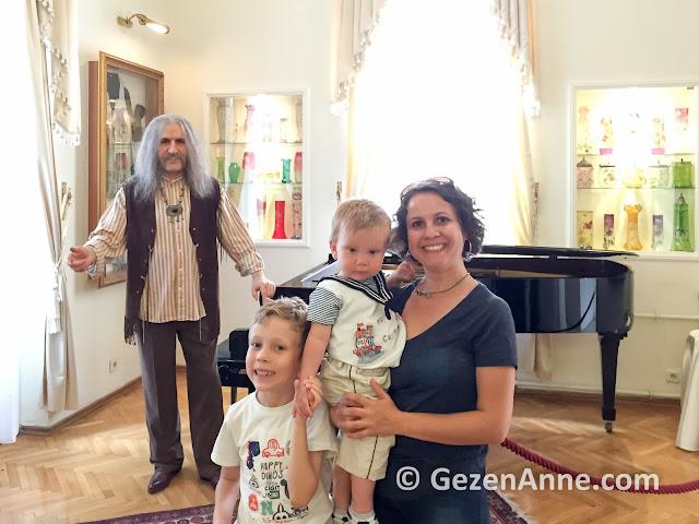 çocuklarla Barış Manço müzesinde, Moda