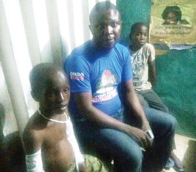 father breaks son arms dopemu lagos