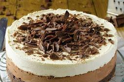 Triple Chocolate Mousse Cake Recipe #easydessert #cake #chocolate #mousse #moussecake #easycake #ketocake