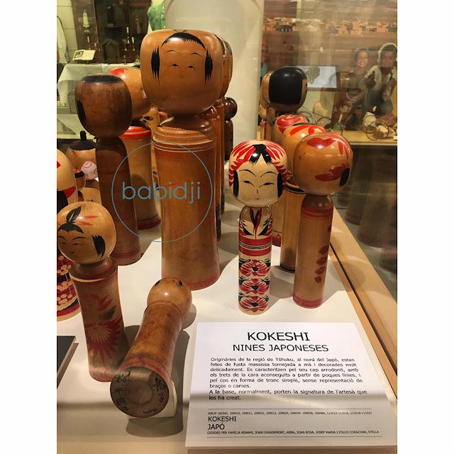 poupées en bois kokeshi du Japon au musée du jouet à Figuères