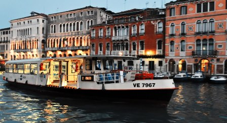 Venesia Tempat Bulan Madu Paling Romantis