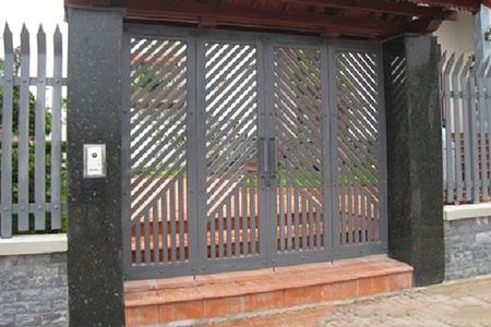 mẫu cửa sắt 4 cánh đẹp nhất phường Thới An - quận 12