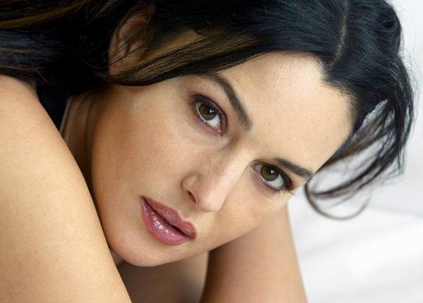 Bold Monica Bellucci Image