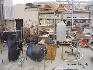 bronze foundry in Pietrasanta, Italy wax sculptures,plasters and molds