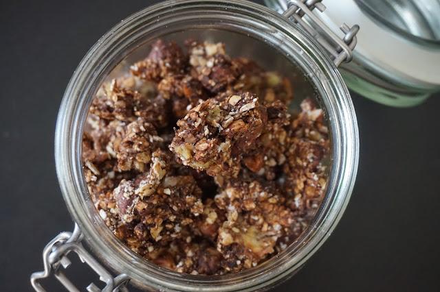 homemade_granola_chocolat_banane_noix_de_pecan_banana_recipe_recette_healthy_breakast_petit_dejeuner_reequilibrage_alimentaire_sain_yummy_gourmand_03