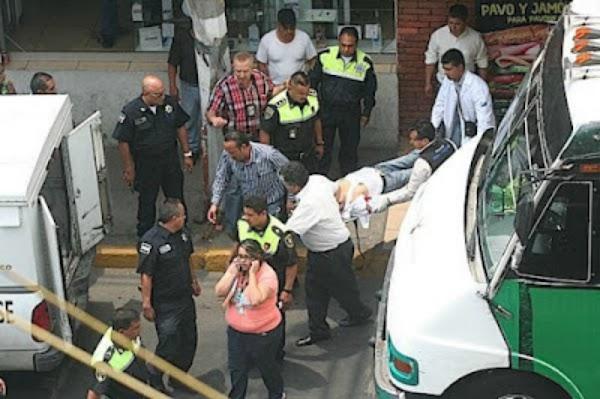 Mujer asesina de un disparo a ladrón que intentó robarla.