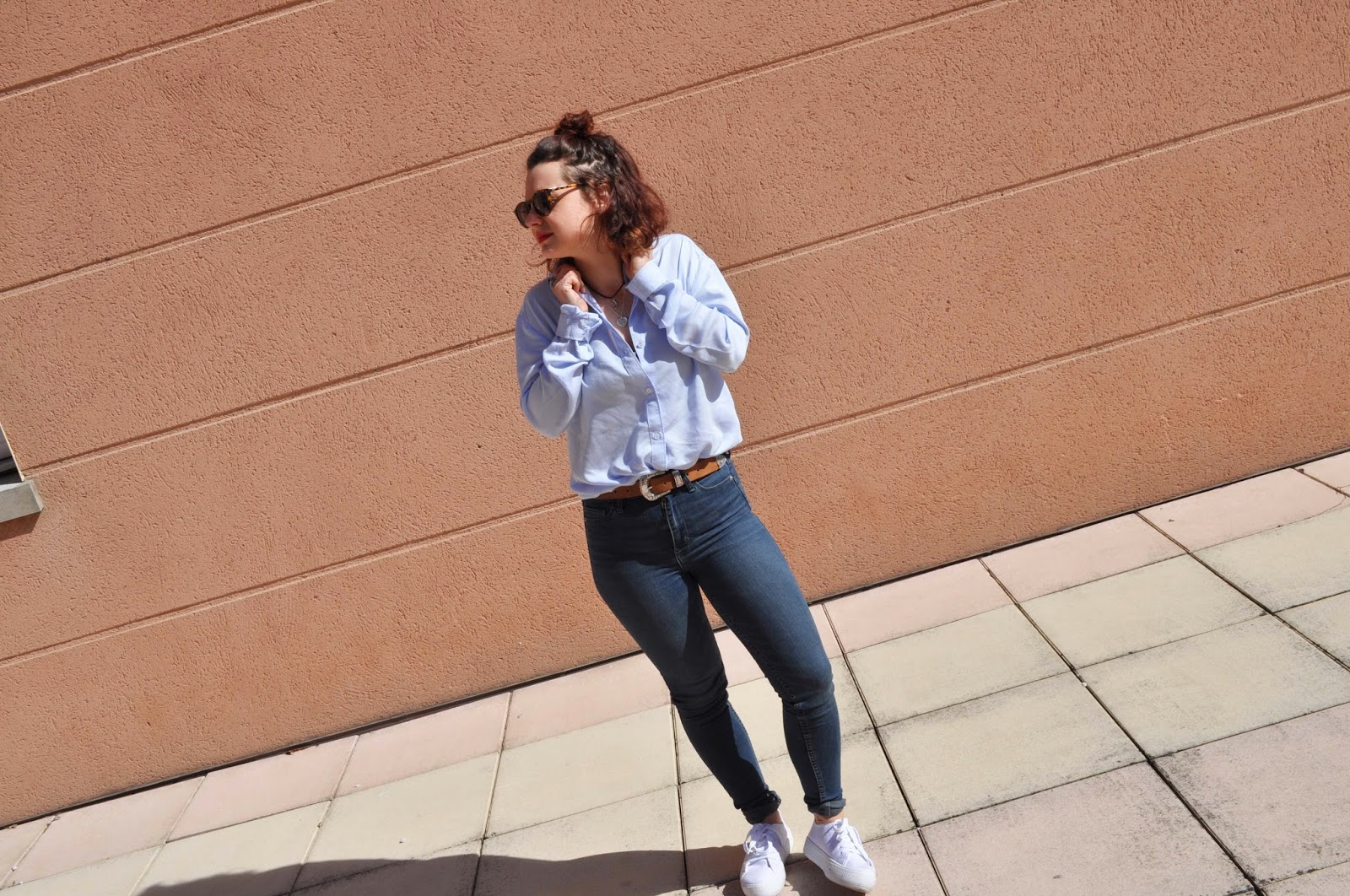 look denim and white