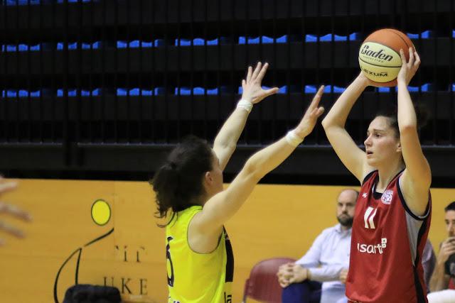 Baloncesto | El Ausarta Barakaldo EST juega con un La Salle que pelea por la quinta plaza