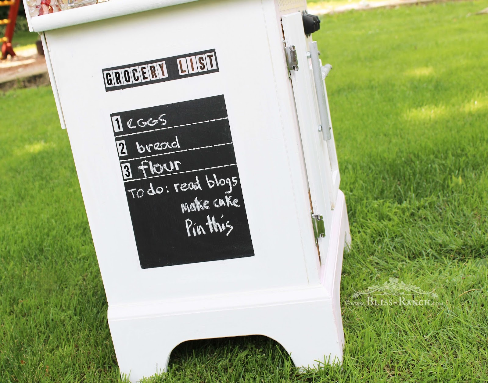 Upcycled Nightstand to Play Kitchen Bliss-Ranch.com #playkitchen #chalkboard