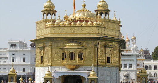 Golden Temple Amritsar - The Most Visited Place in North India