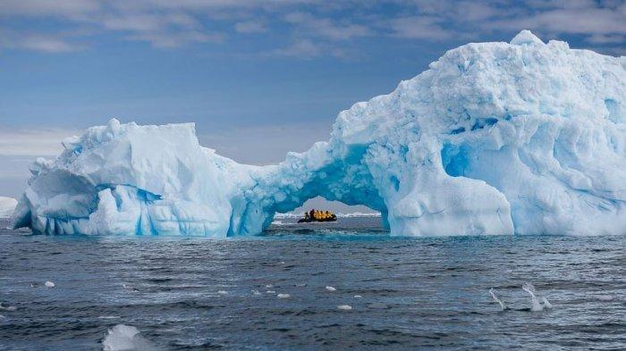 Ngeri, Ternyata Ada Sumber Panas Misterius di Bawah Es Antartika