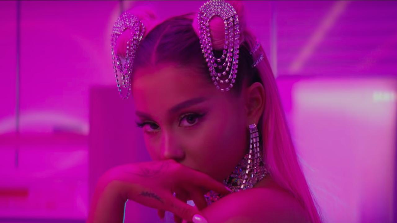 Assim como Lorde em 2018, Ariana Grande foi impedida de realizar a performance que queria no palco da premiação.