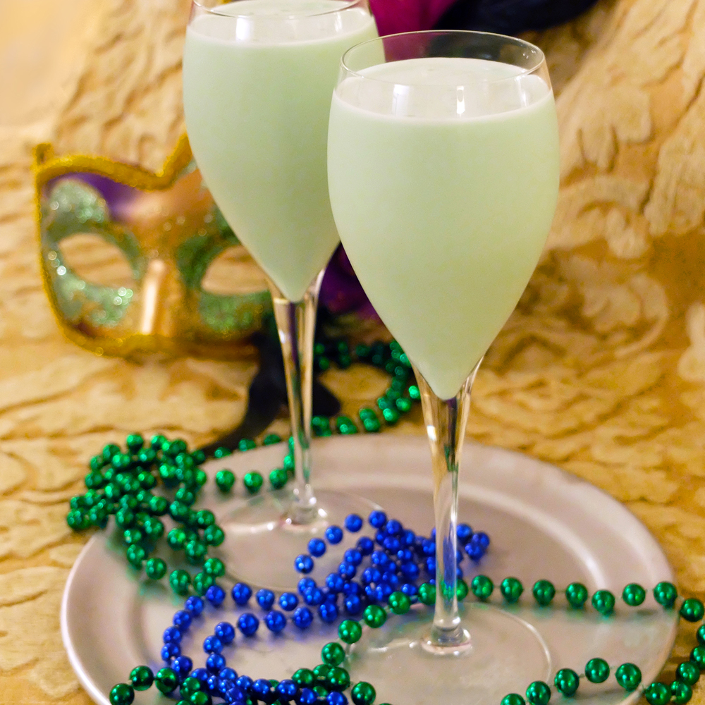 It's Mardi Gras! Make a New Orleans style Grasshopper cocktail drink for two.