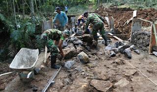 TNI AD Bantu Pembangunan Pemekaran Wilayah di Kaltim