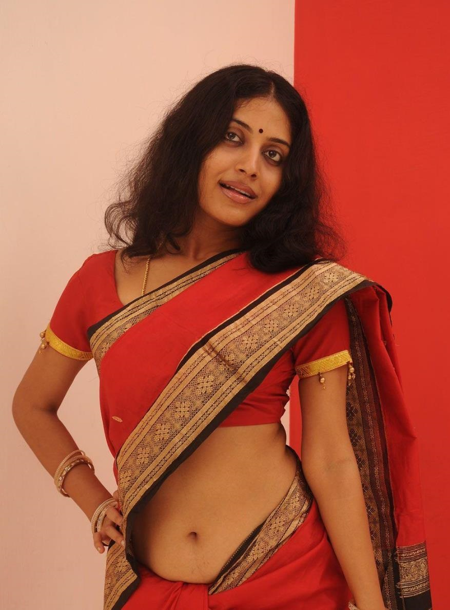 Malayalam Actress Navel Hip In Red Saree Kavitha Nair