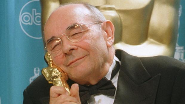 Muere Stanley Donen, director de «Cantando bajo la lluvia»