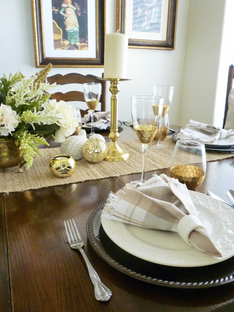 Swap out the accessories and flowers and you have a totally different look. The runner keeps the table setting from feeling too formal. & A Stroll Thru Life: Basic Must-Have\u0027s For Setting A Pretty Table