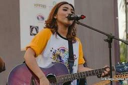 Lirik Lagu Dheandra Adelina You Are Mine Lirik Lagu Dunia