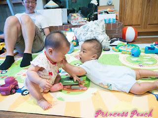 寶寶一起玩