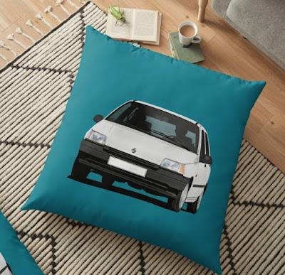 Renault Clio valkoinen tyyny