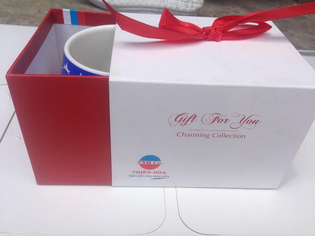 dùng hộp giấy thiết kế quà tặng