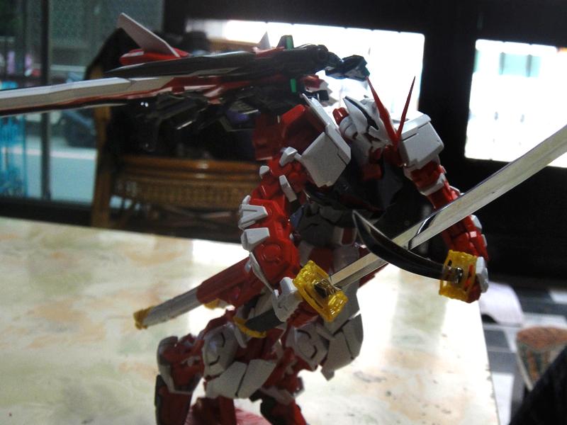 Scorpio: 【模型】紅色異端鋼彈