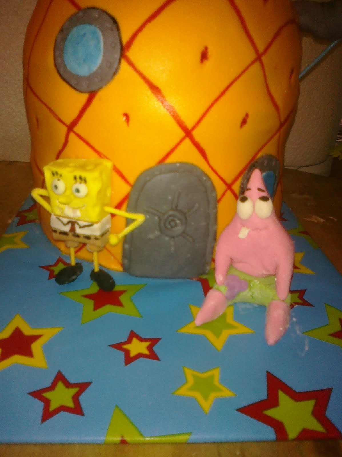 Awesome Cakes By Sarah Spongebob Pineapple House Cake