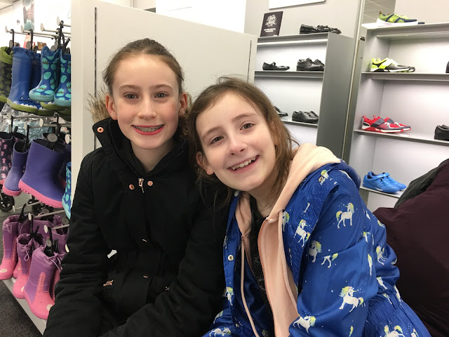Stephs Two Girls Siblings February 2018