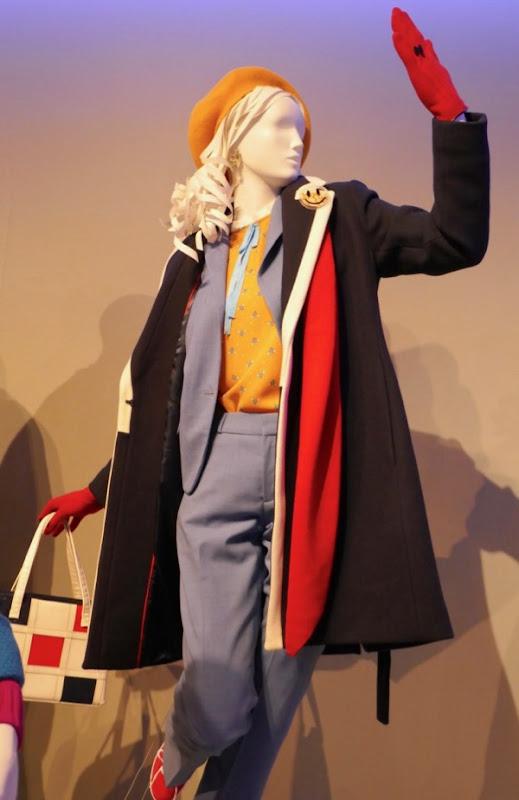Ellie Kemper Kimmy Schmidt season 4 costume