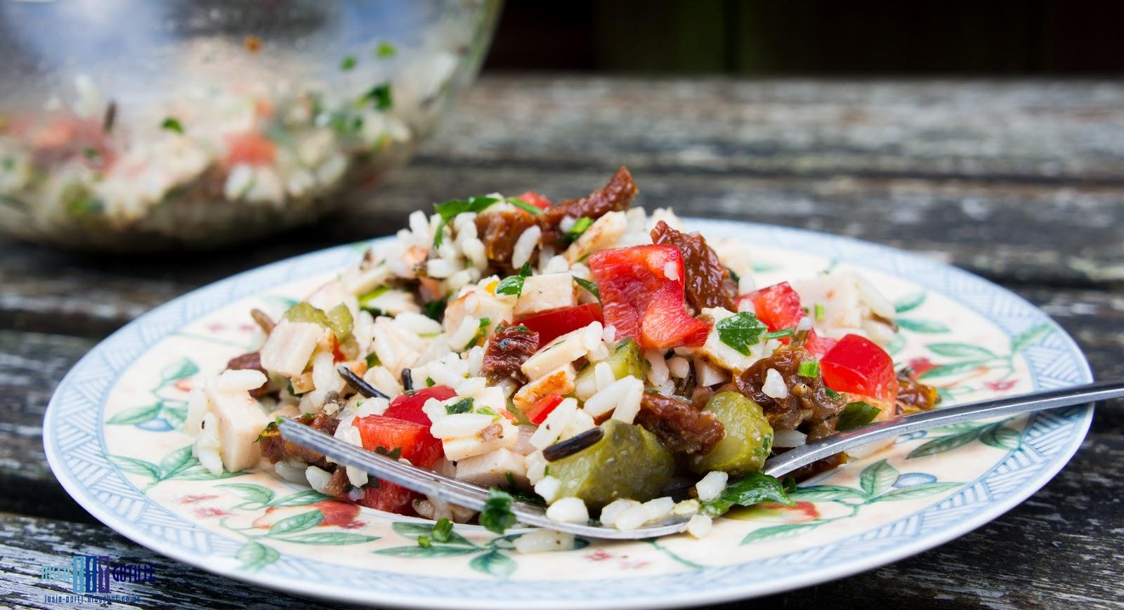 Sałatka z ryżem, sałatka z wędliną, rice salad, healthy salad, lunch salad