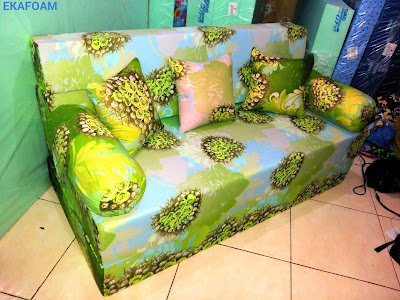 sofa bed inoac motif bunga anggur ijo