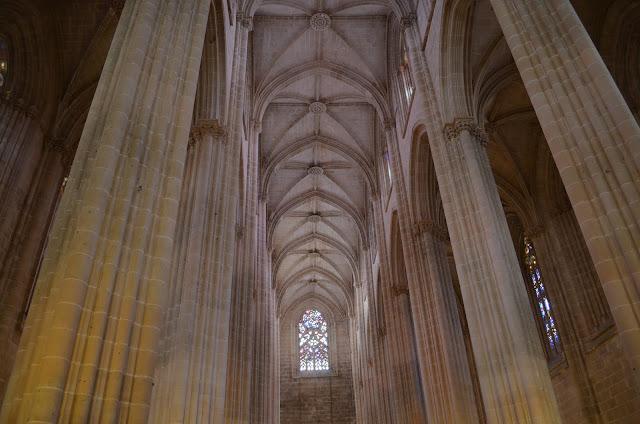 Monastério com arquitetura gótica
