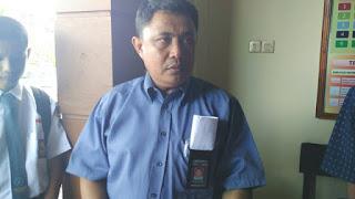 Didemo Ratusan Siswa, Orang Tua Pemukul Guru SMK 2 Makasar Malah Tertawa - Commando