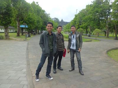 Foto Sebelum Masuk ke Candi Borobudur