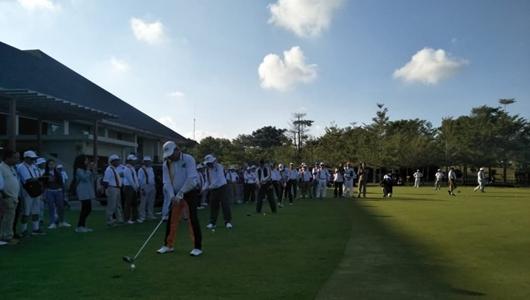 Hadiri Tournamen Golf di Batam, Wagub Ingatkan Peran Perantau Bangun Kampung Halaman