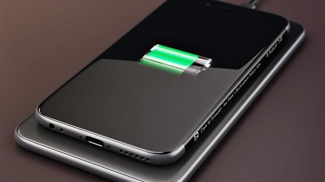 iPhone 8'de Kablosuz Şarj Olacak