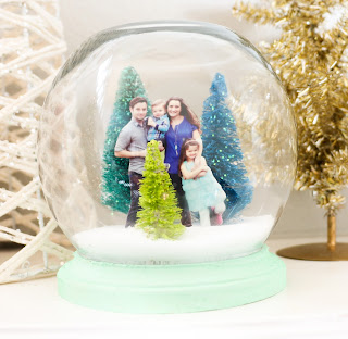 http://www.akailochiclife.com/2015/12/craft-it-family-portrait-snow-globe.html