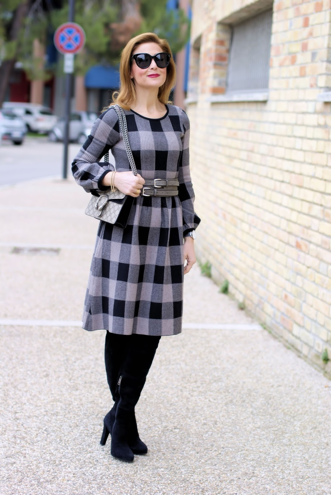 Winter dress outfit idea with Metisu knitted check dress on Fashion and Cookies fashion blog, fashion blogger style