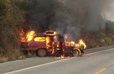 Veículo Pega Fogo na BA 052, próximo a Cidade de  Morro do Chapéu
