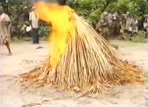 Assombrado: Ritual de Magia em Benin (África)