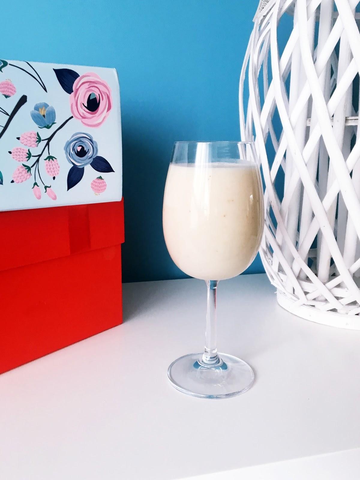 przepis na drinka z bananów i mleczka