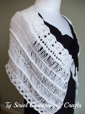 White wedding shawl in hairpin lace and crochet.