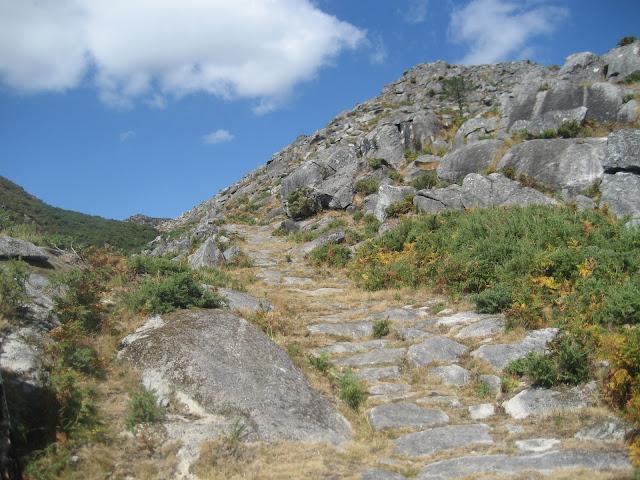 Calzada romana de Vitres en Boiro